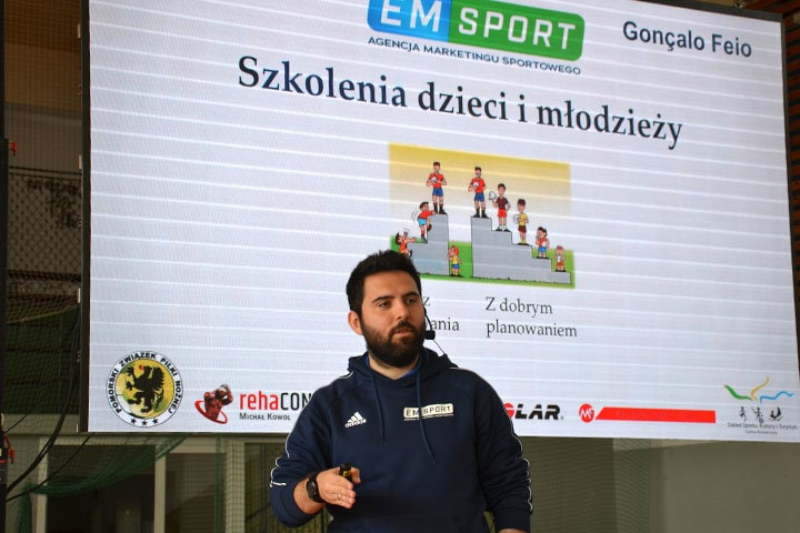 Konferencja trenerska Goncalo Feio